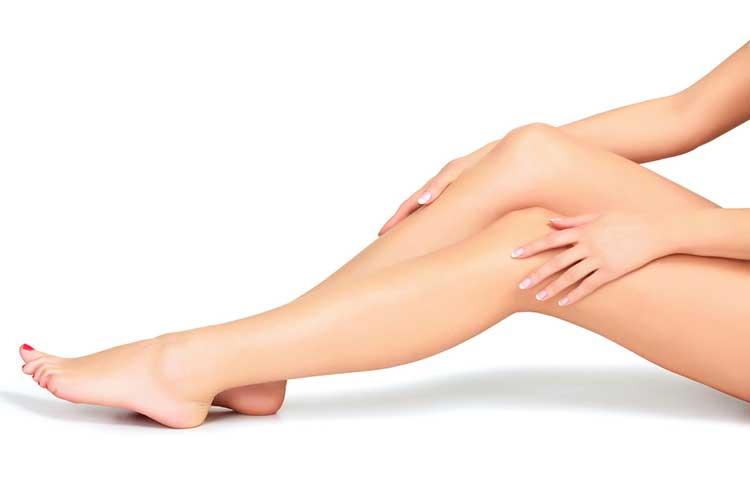 21 DIY Remedios caseros para las rodillas y codos oscuros