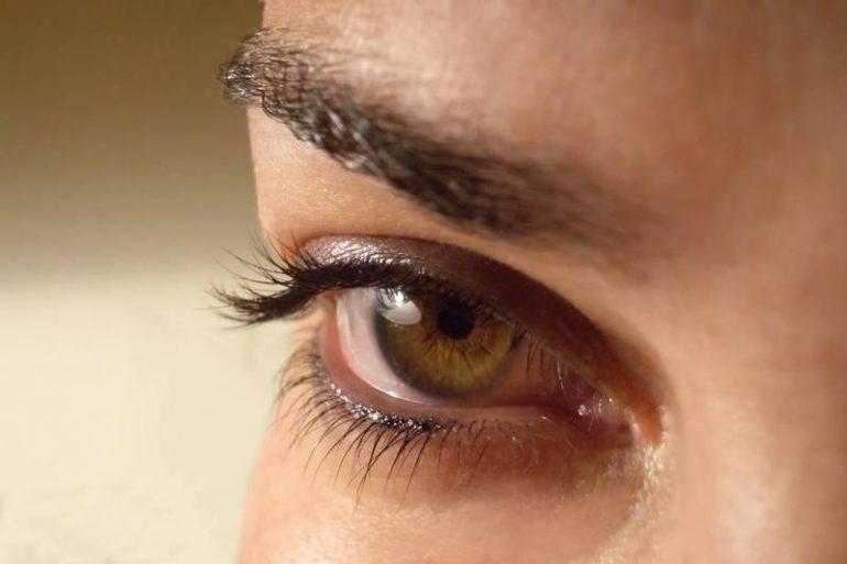 Cómo detener la contracción ocular