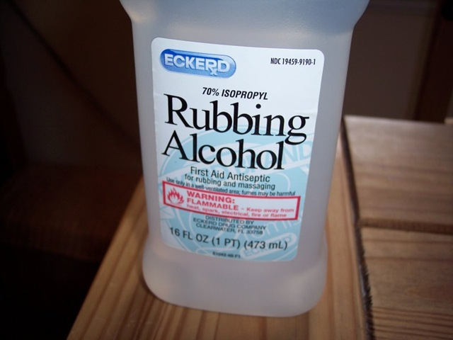 oliendo alcohol