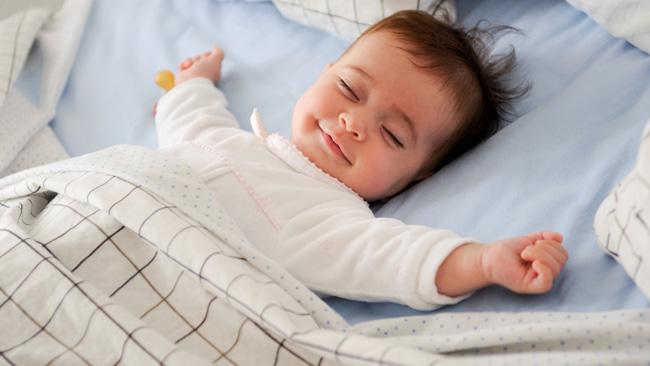Si despiertas a un bebé durmiendo